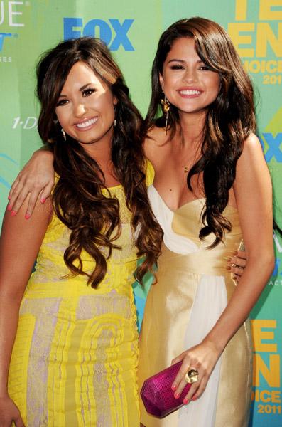 Selena Gomez Teen Choice Awards' performance Love You Like a Love Song has ...